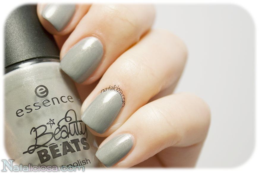 Best grey ever for your nails!