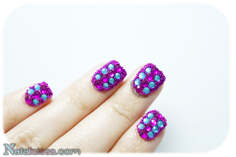 how to make caviar manicure, first time trying nail art pinky manicure
